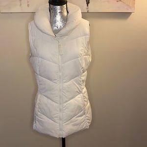 10/$25 Mountain warehouse puffer vest